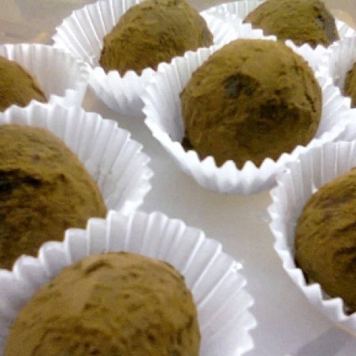 Ezen a képen: Csokoládés trüffelgolyók