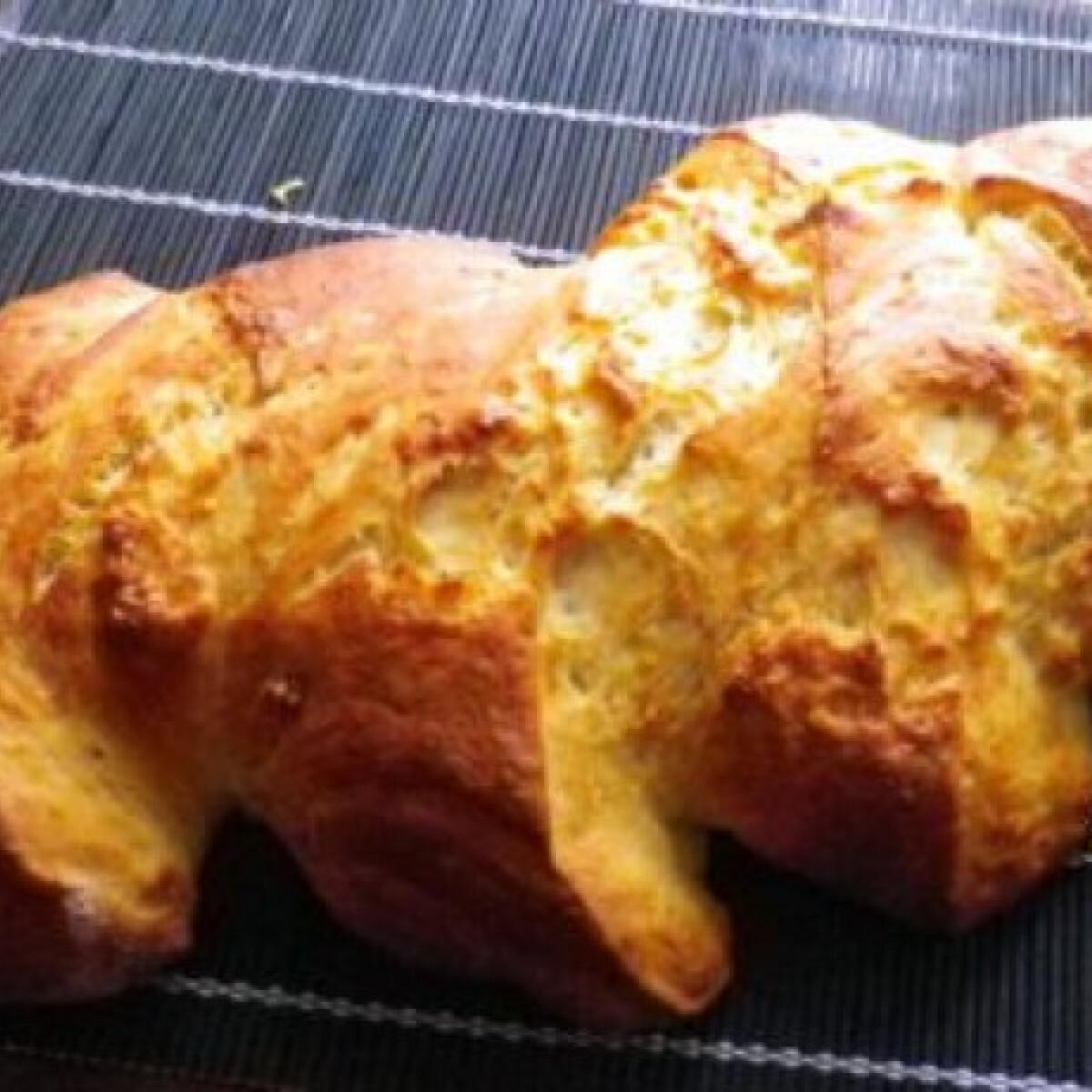 Ezen a képen: Fehér kenyér Évi néni konyhájából