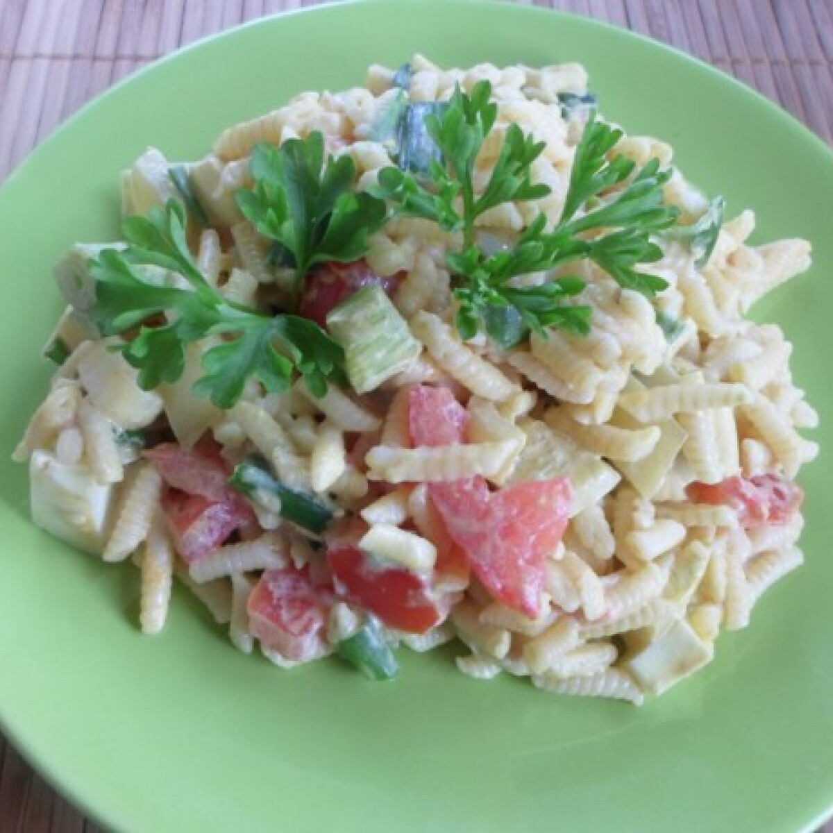 Tökmagolajos-zöldséges tésztasaláta