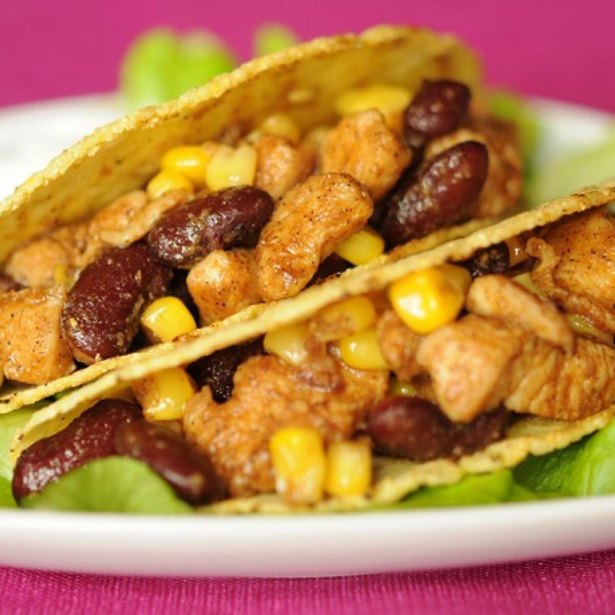Ezen a képen: Csirkés taco