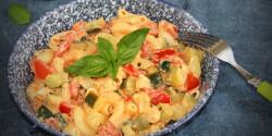 Cukkinis-paradicsomos tészta Gizi konyhájából