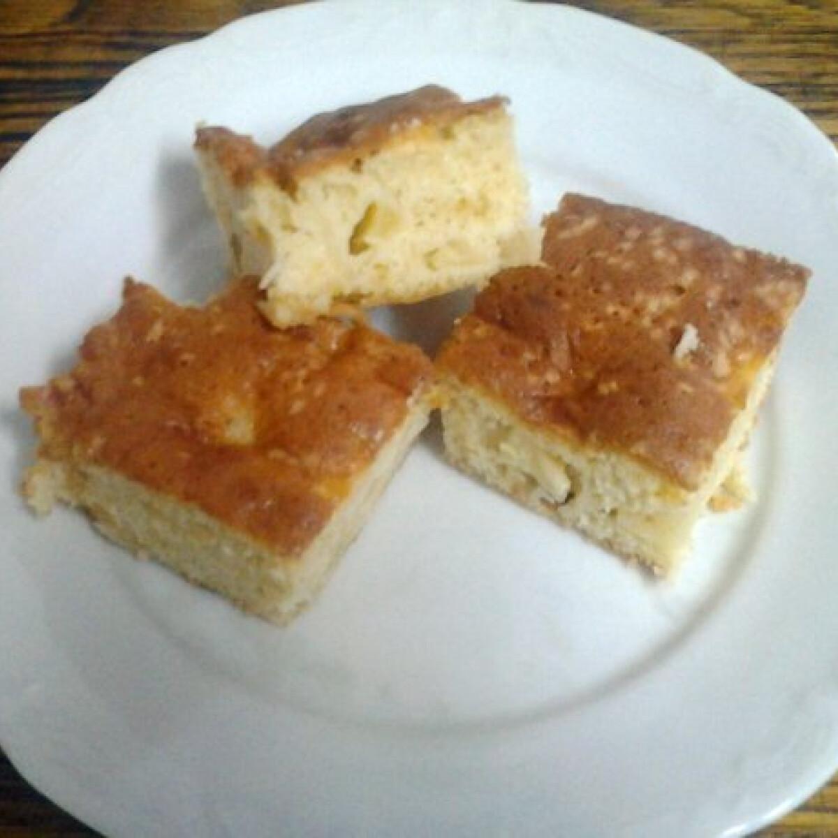 Ezen a képen: Citromos-almás sütemény