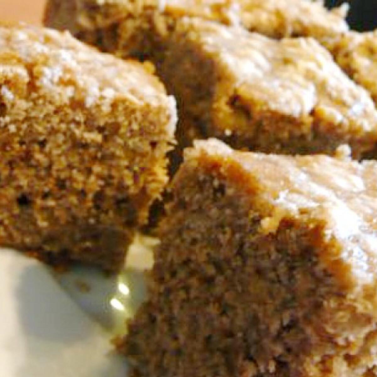 Ezen a képen: Cukorrépás süti