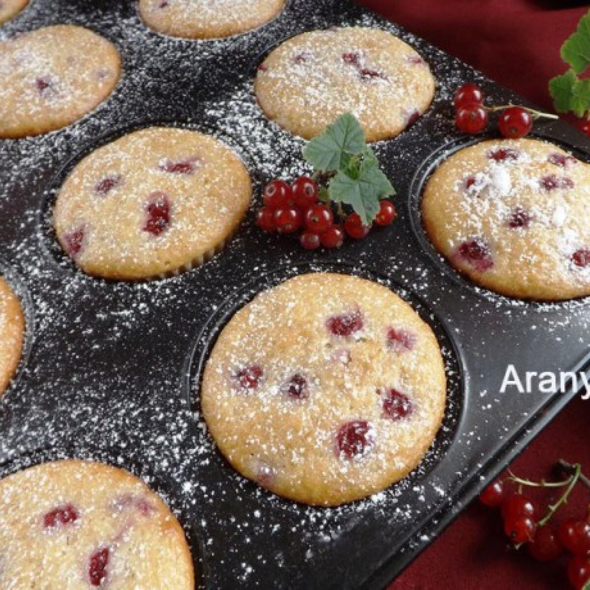 Ezen a képen: Ribizlis-banános muffin