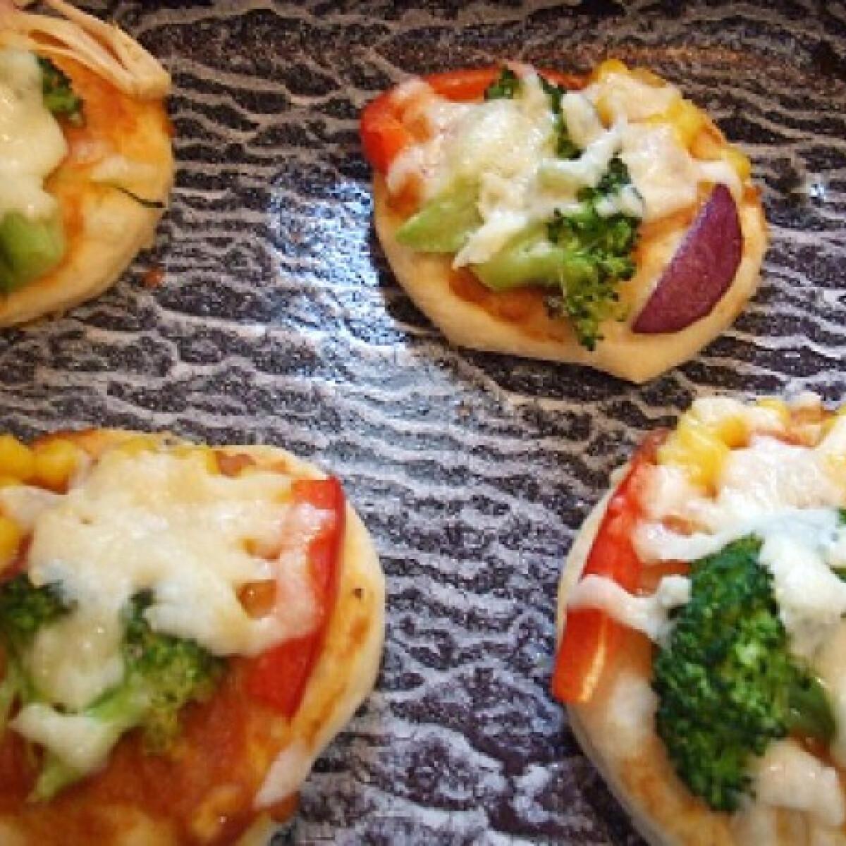 Ezen a képen: Vegetáriánus minipizzák