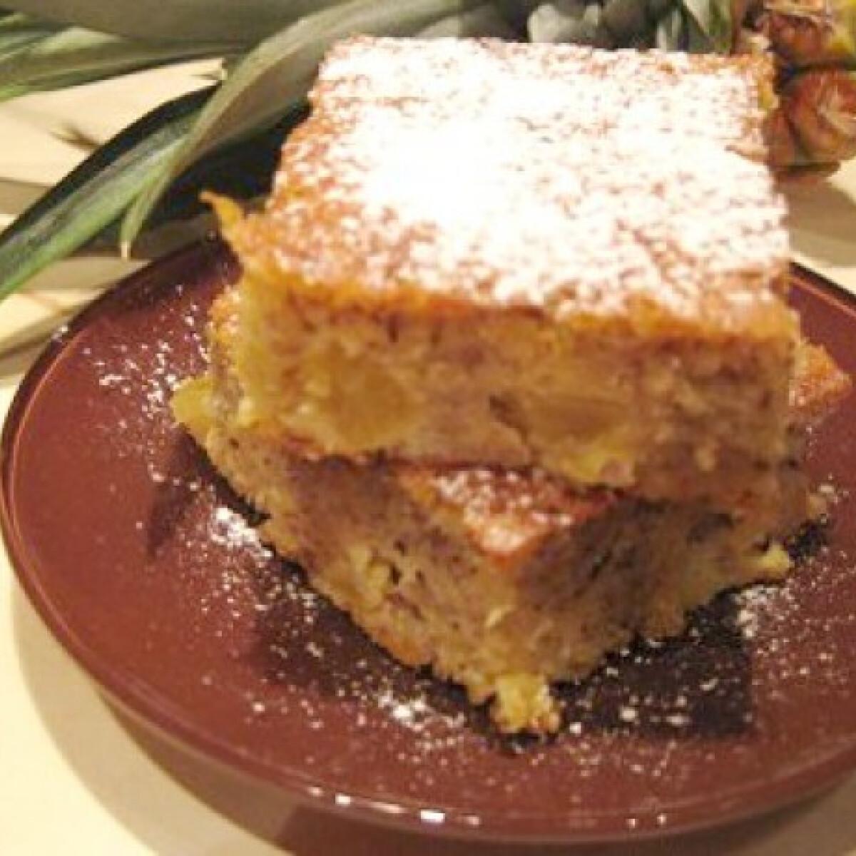 Ezen a képen: Mogyorós sütemény ananásszal