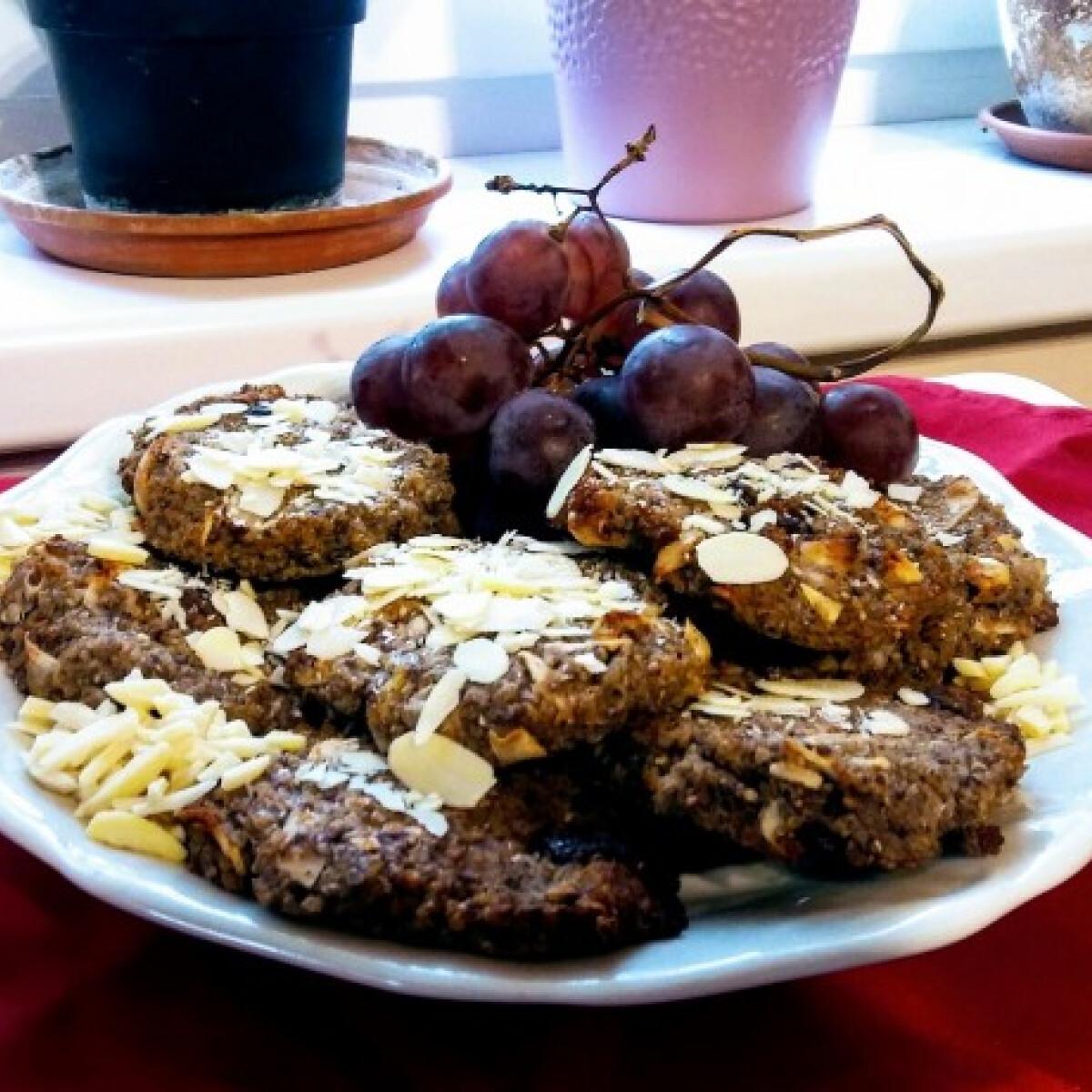 Ezen a képen: Csokis-quinoás-kékszőlőmagos keksz