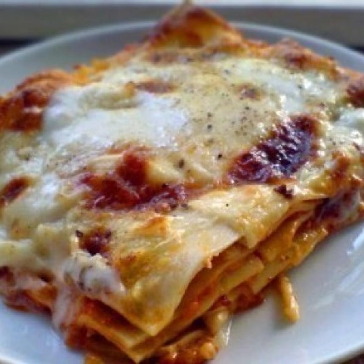 Ezen a képen: Lasagne 5. - bolognai mártásból