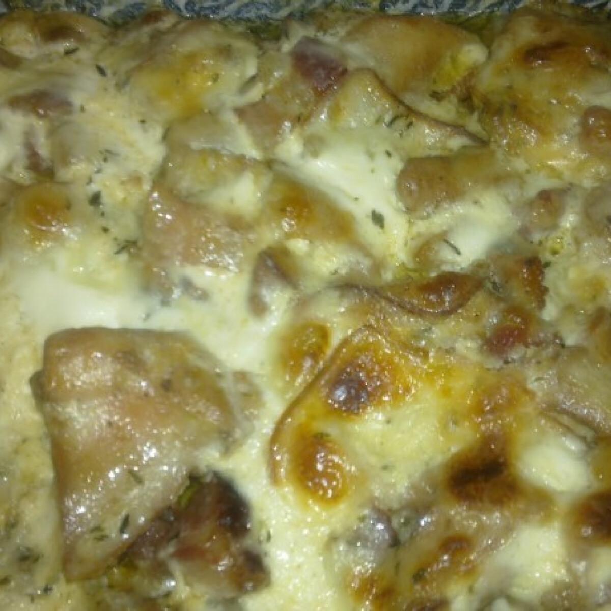 Ezen a képen: Omlós csirkecomb Durci módra