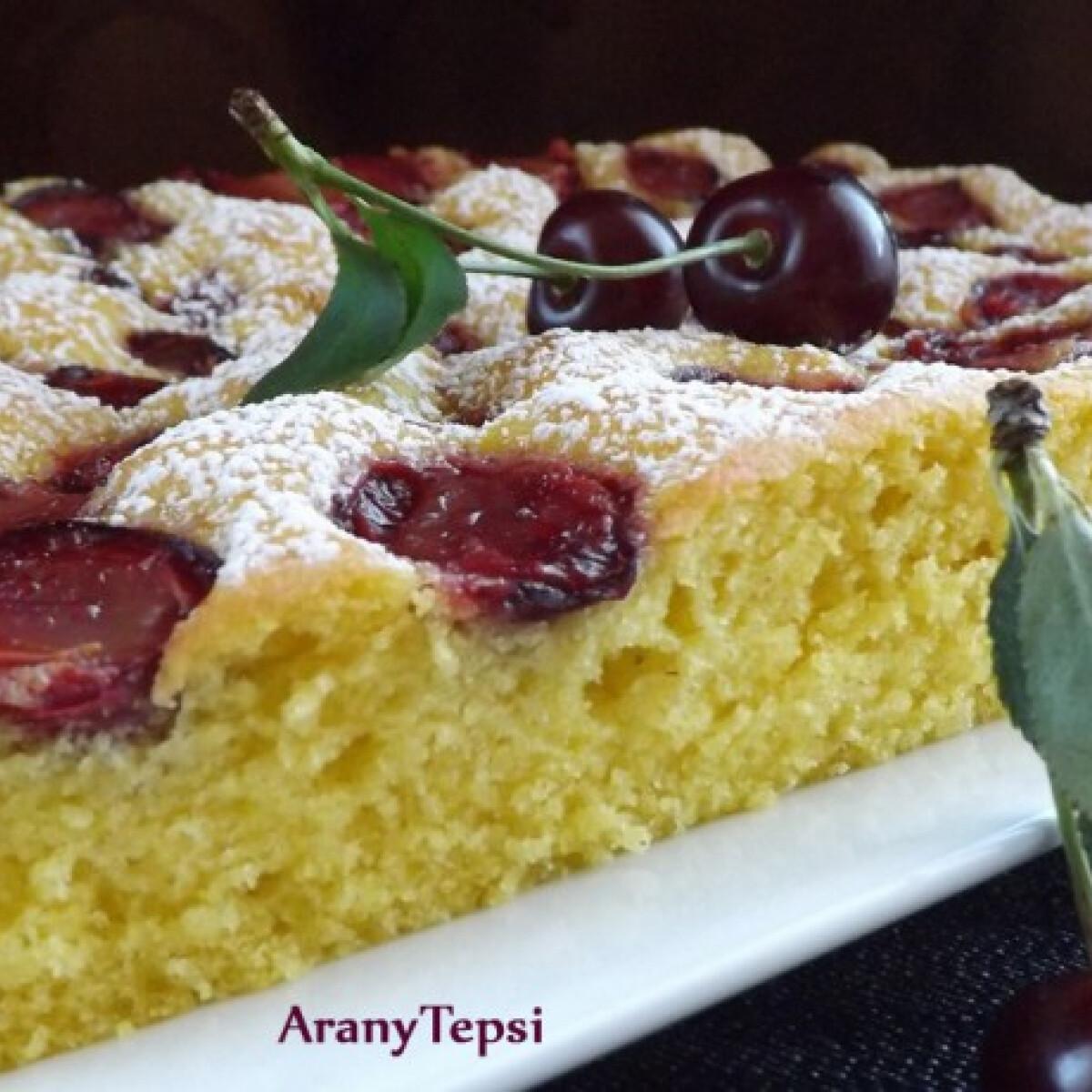 Ezen a képen: Könnyű meggyes sütemény