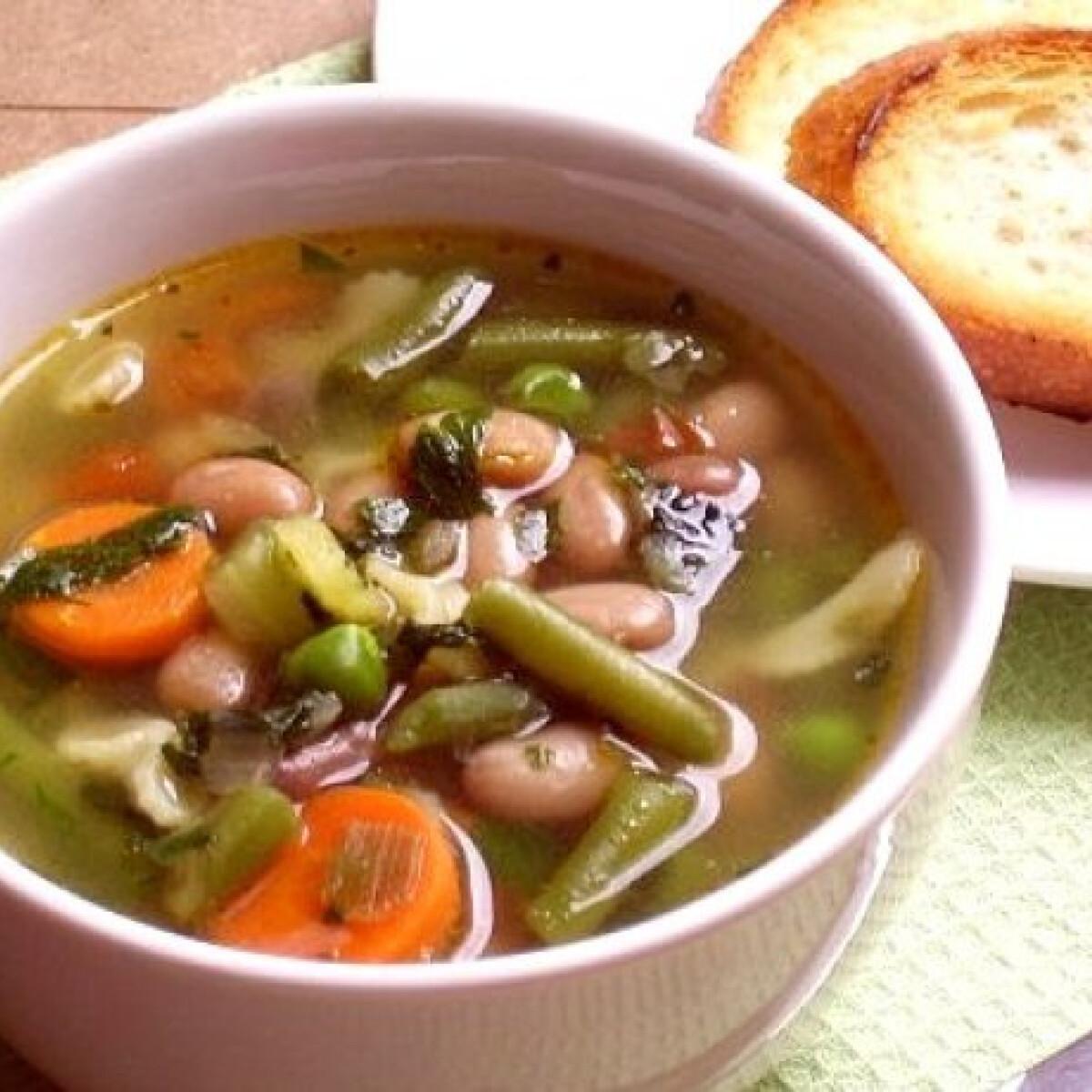 Ezen a képen: Olasz zöldségleves