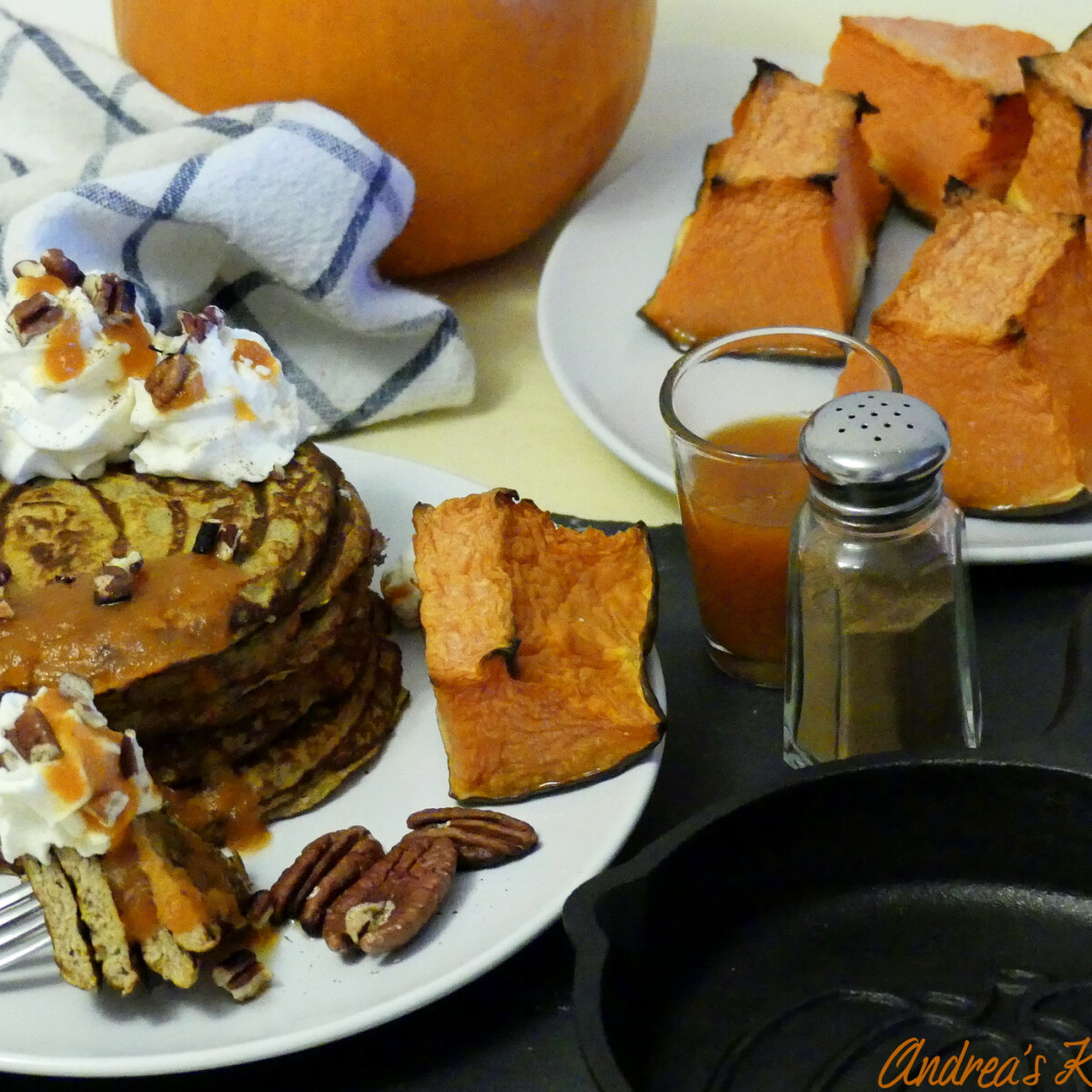 Ezen a képen: Habkönnyű, sütőtökös palacsinta - Keto, alacsony szénhidráttartalmú és gluténmentes