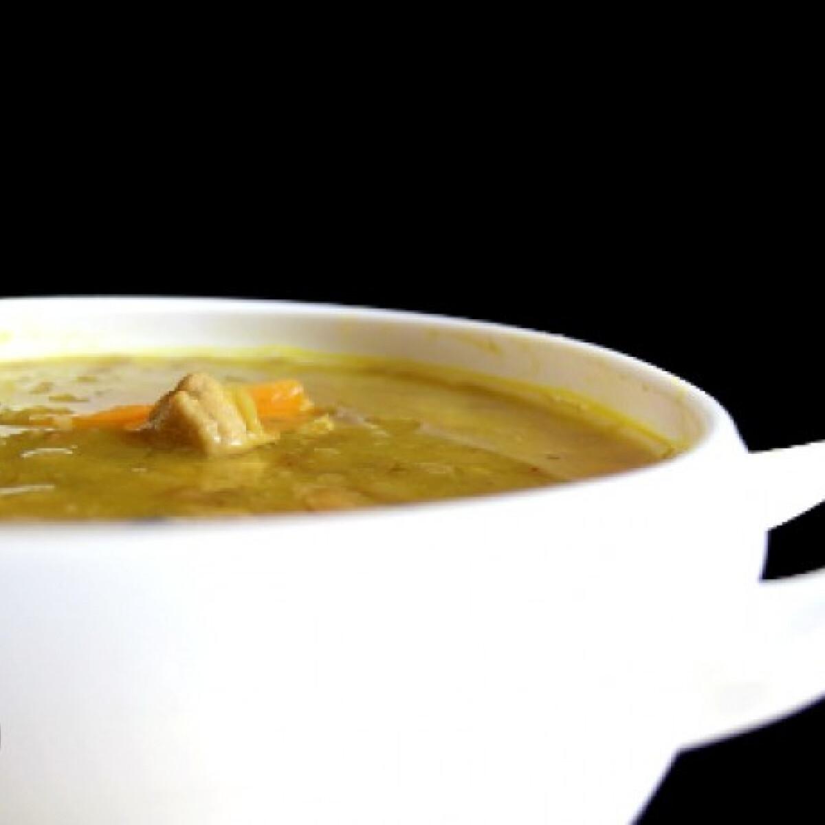 Ezen a képen: Füstös-currys lencseleves