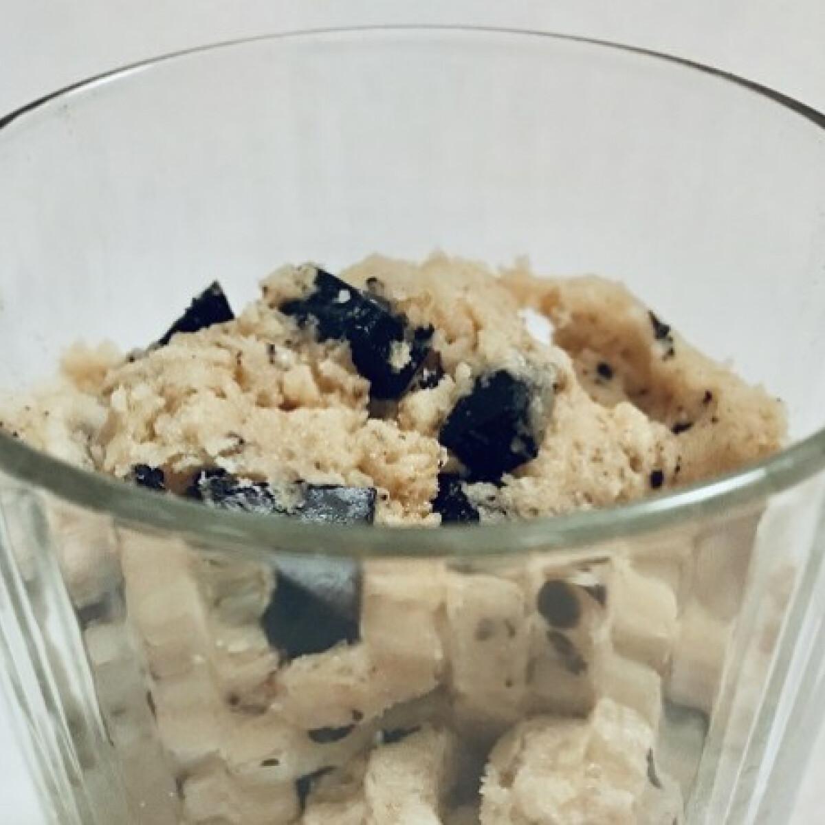 Ezen a képen: Vegán cookie dough