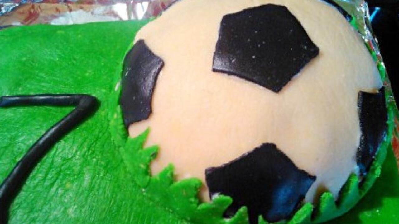 Focilabda torta Marcipan konyhájából