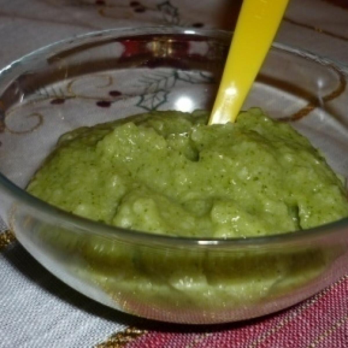 Ezen a képen: Rizses brokkolipüré babáknak