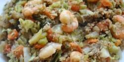 Wokban sült zöldség rákkal és quinoával