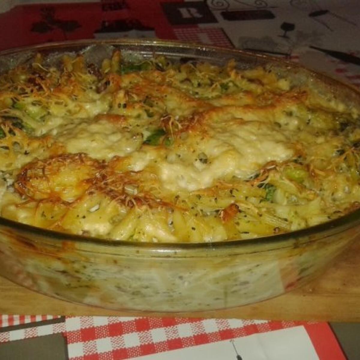 Ezen a képen: Brokkolis-sajtos tészta Papillontól