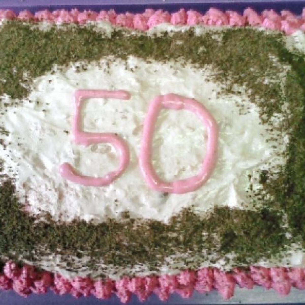 Ezen a képen: Meggyes torta Angie konyhájából