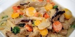 Flambírozott szűzérme thai zöldségekkel