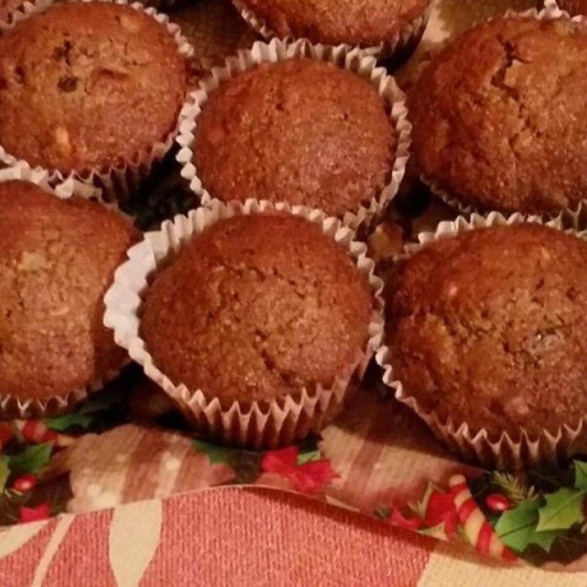 Ezen a képen: Karácsonyi gyümölcskenyér-muffin