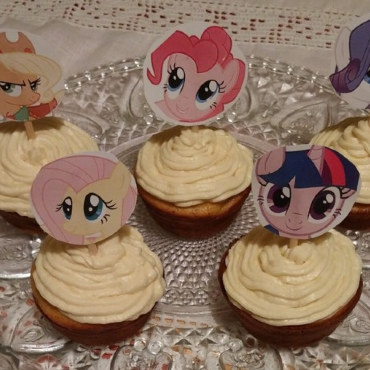 Ezen a képen: Juharszirupos répás muffinok