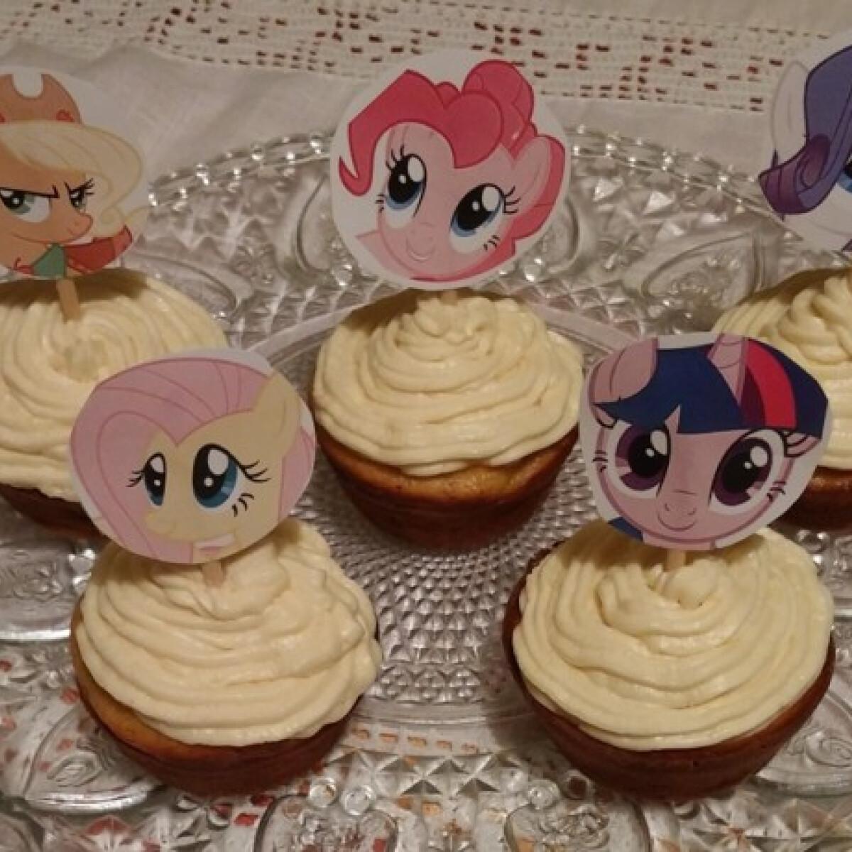 Juharszirupos répás muffinok