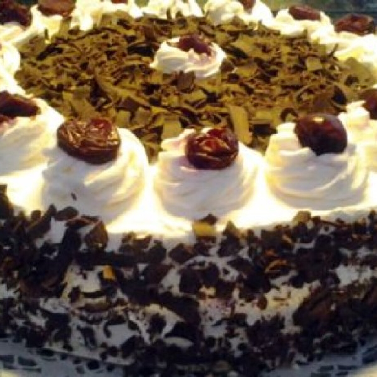 Ezen a képen: Feketeerdő torta Zsuzsi konyhájából