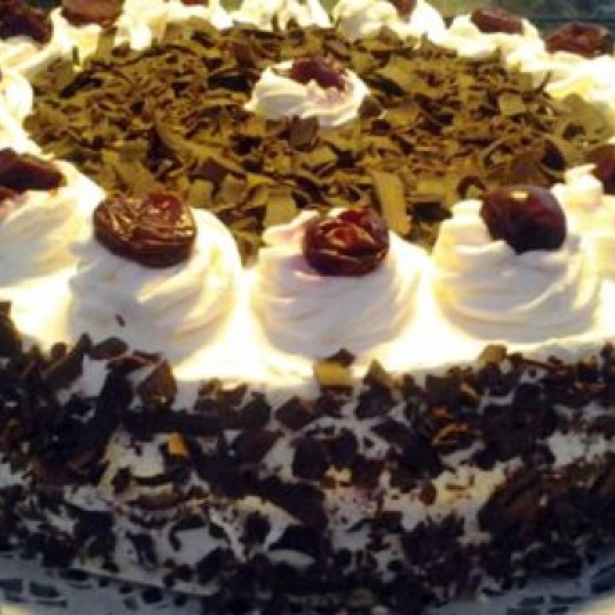 Feketeerdő torta Zsuzsi konyhájából