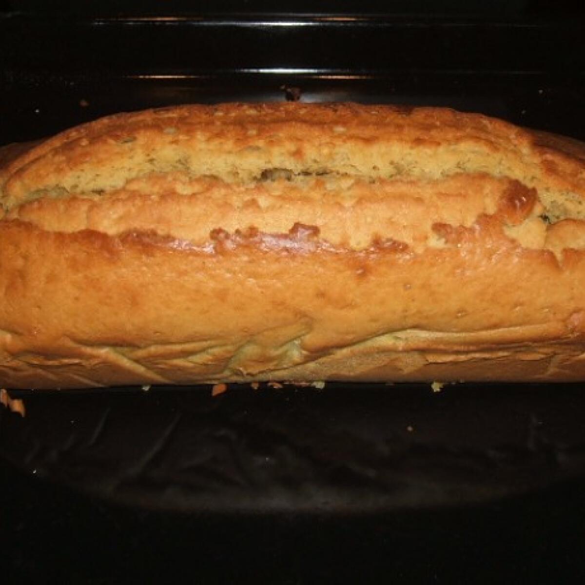 Tejszínes - mogyorós uzsonna sütemény