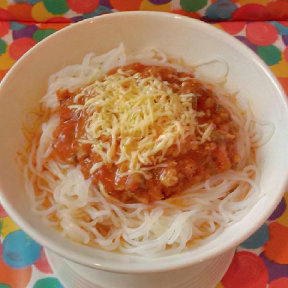"""Ezen a képen: Csirkés-gombás spagettiszósz """"kalóriamentes"""" tésztával"""