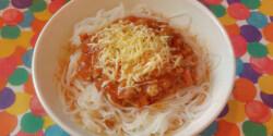 """Csirkés-gombás spagettiszósz """"kalóriamentes"""" tésztával"""
