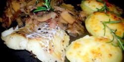 Halfilé karamellizált hagymával és gombával