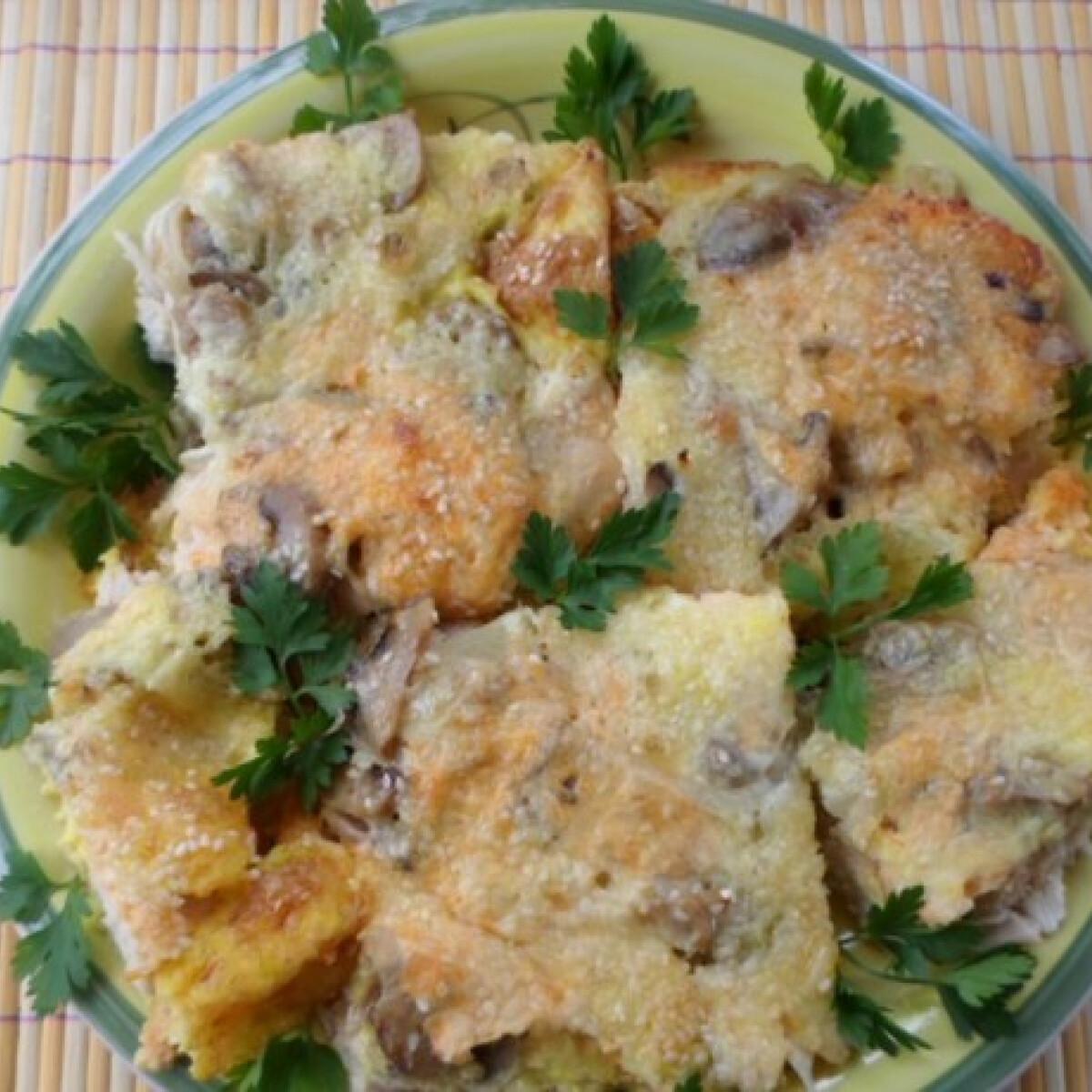 Ezen a képen: Gombás-hagymás-tojásos csirkemell