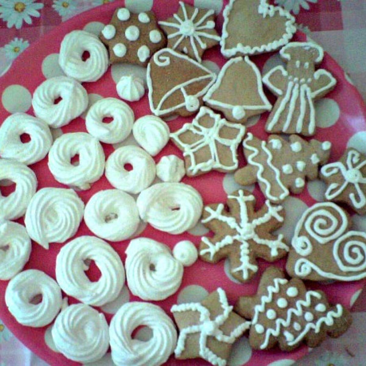 Ezen a képen: Mézeskalács és habkarika karácsonyra