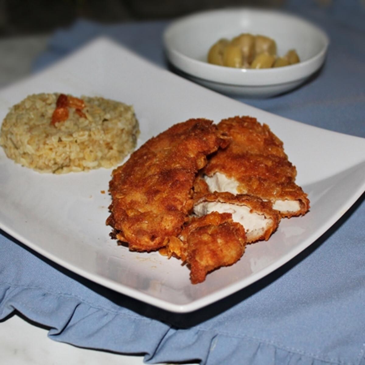 Kukoricapehely-bundás csirkemell barna rizzsel