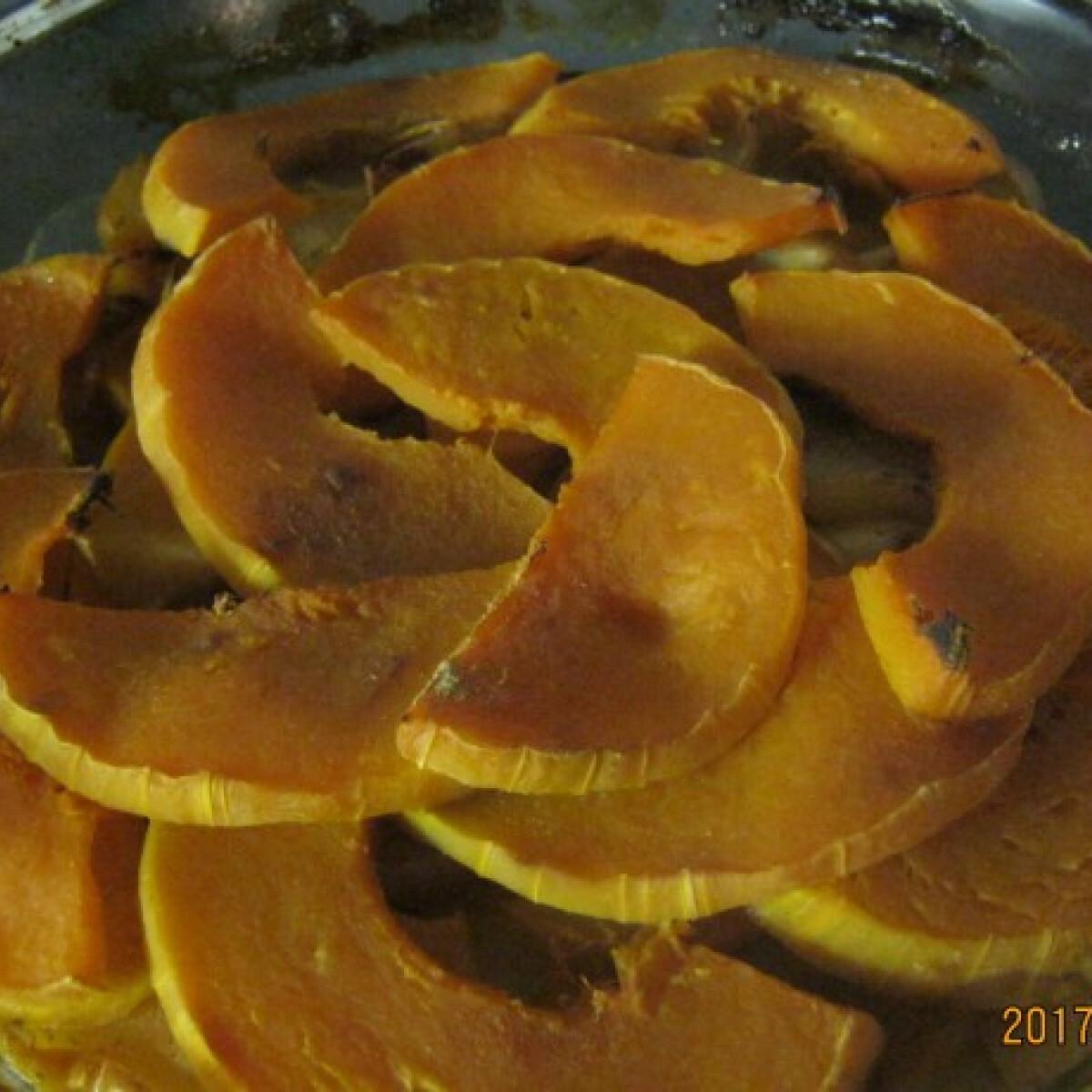 Ezen a képen: Almás rakott sütőtök