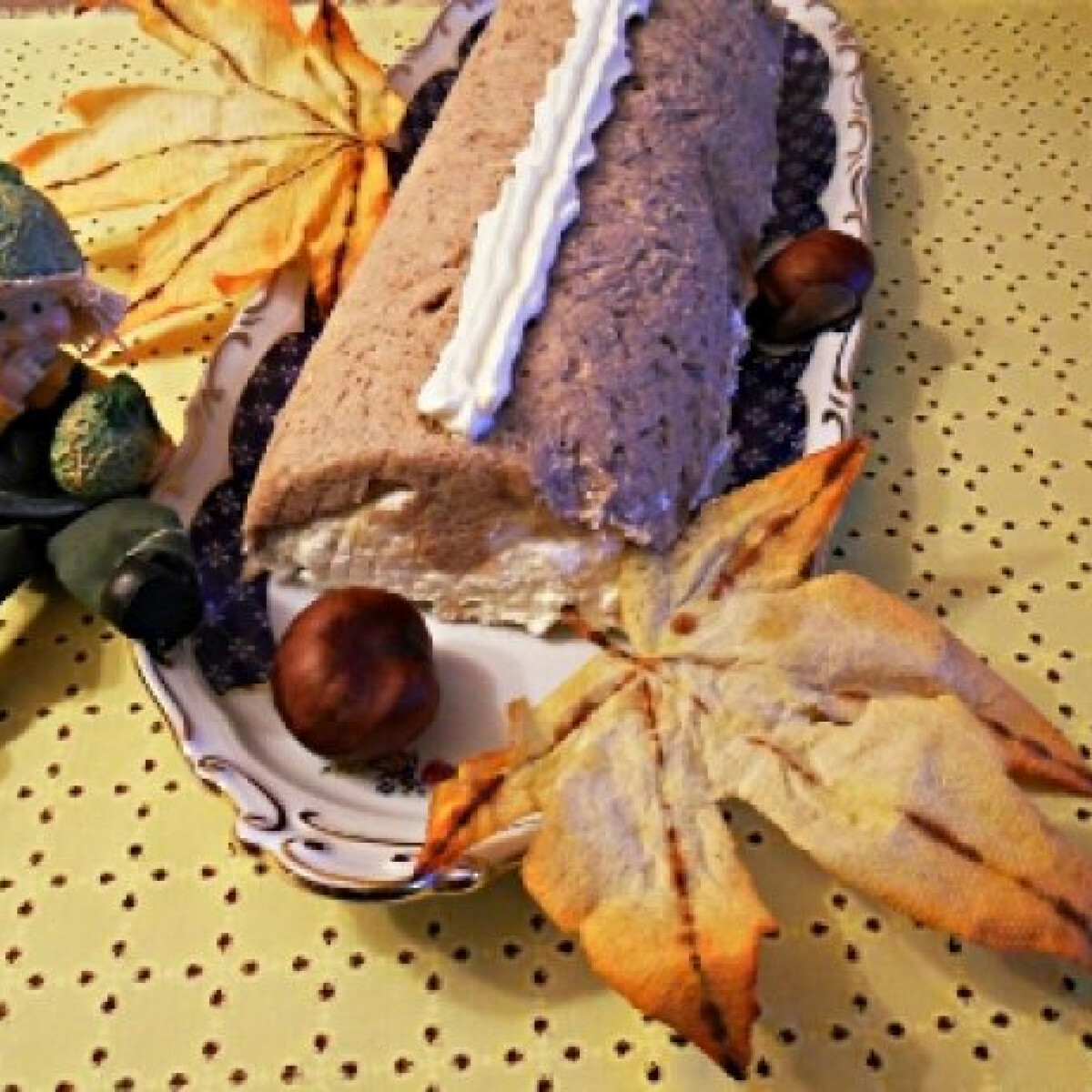 Ezen a képen: Gesztenyés-habos őzgerinc