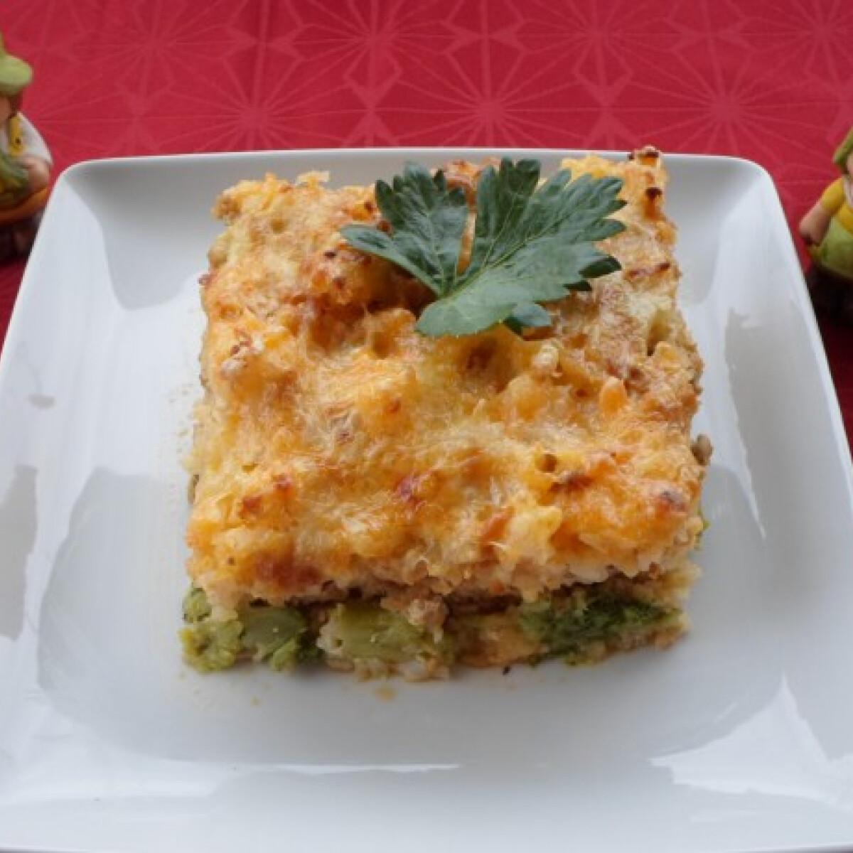 Ezen a képen: Diétás rakott brokkoli