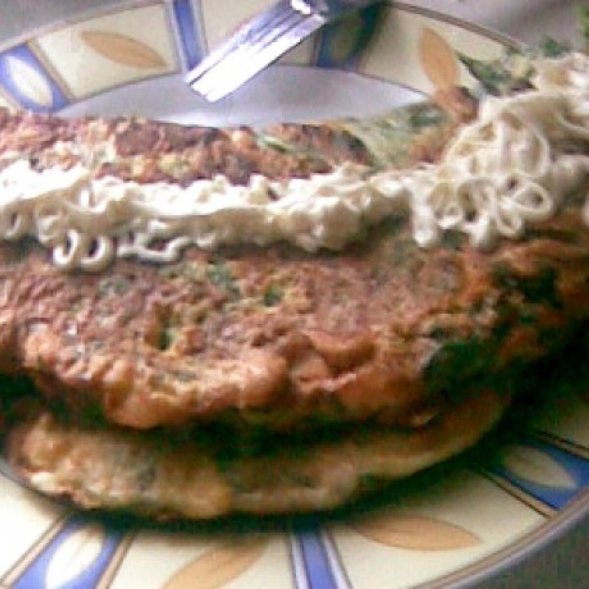 Ezen a képen: Spenótos omlett zöldséges sajtkrémmel