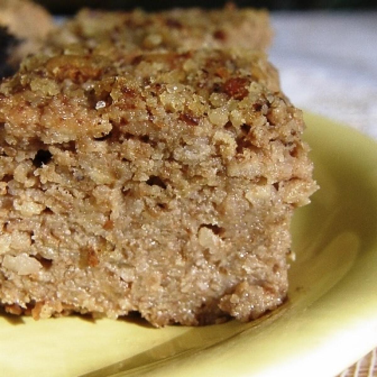 Ezen a képen: Paleo almás-diós kevert sütemény