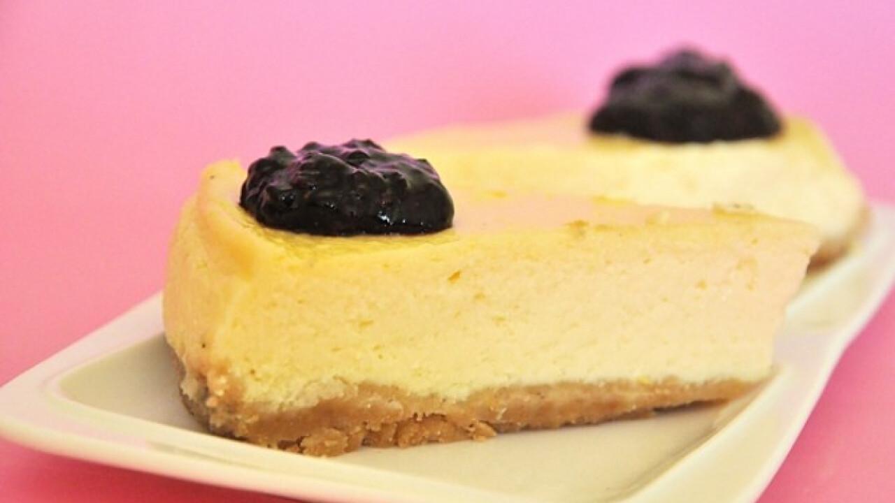 New York cheesecake szedervelővel