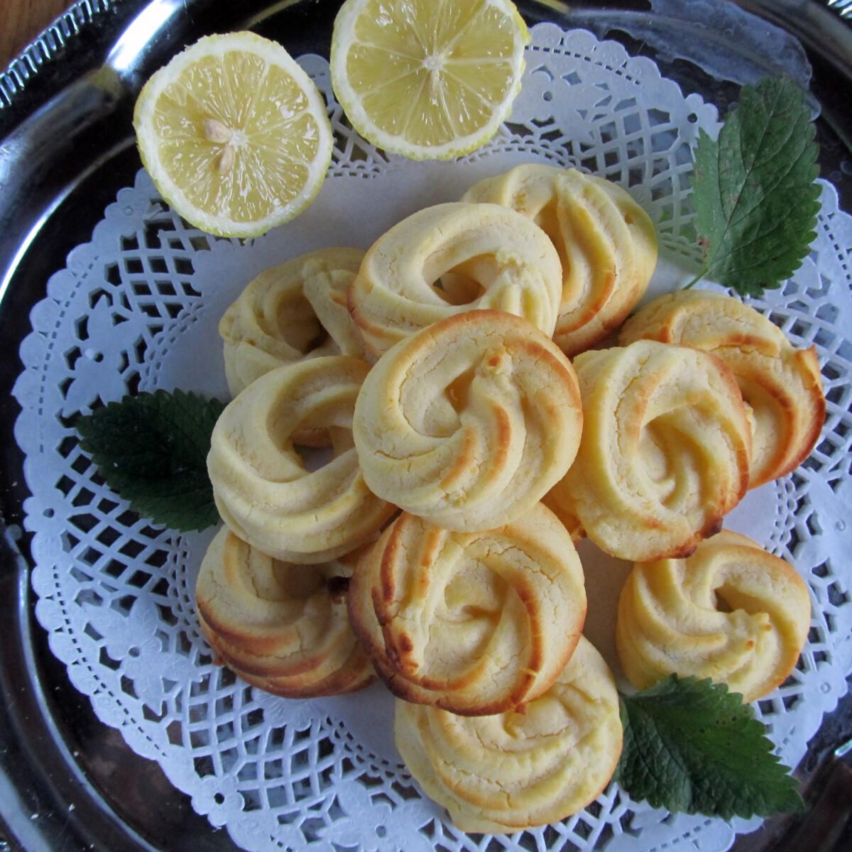 Ezen a képen: Citromos karika gluténmentesen