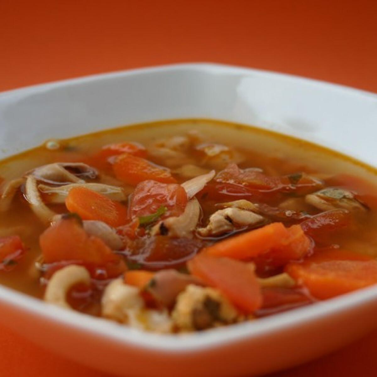 Ezen a képen: Tenger gyümölcsei leves