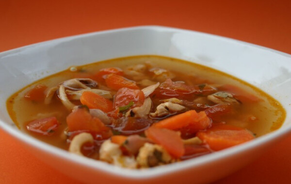 Tenger gyümölcsei leves