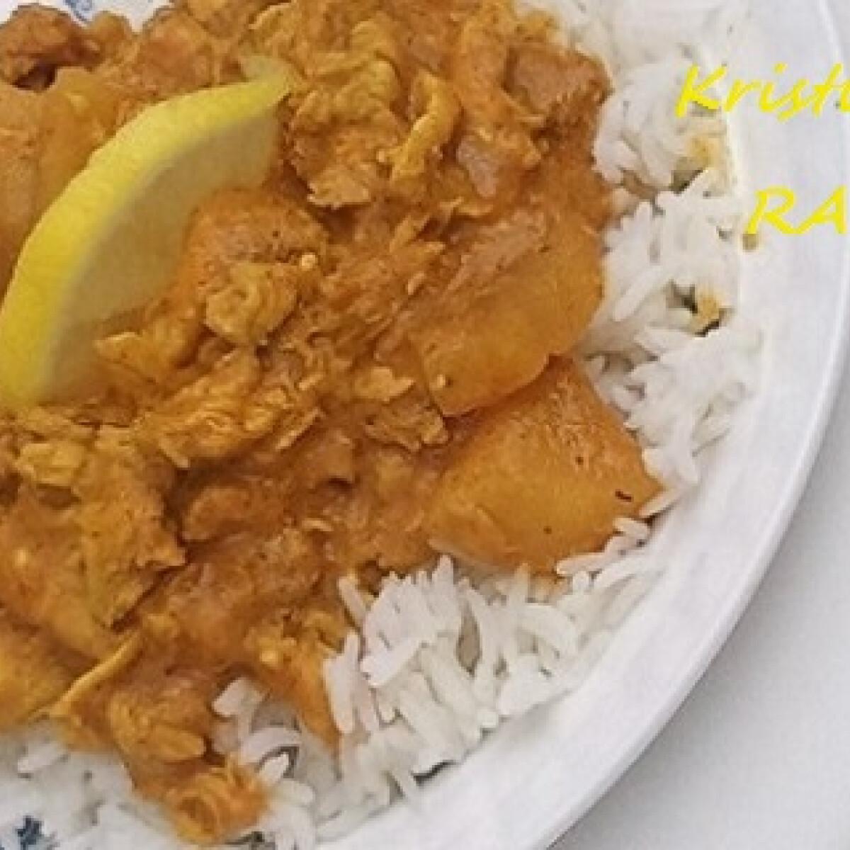 Ezen a képen: Csirke curry szószban Raw konyhájából
