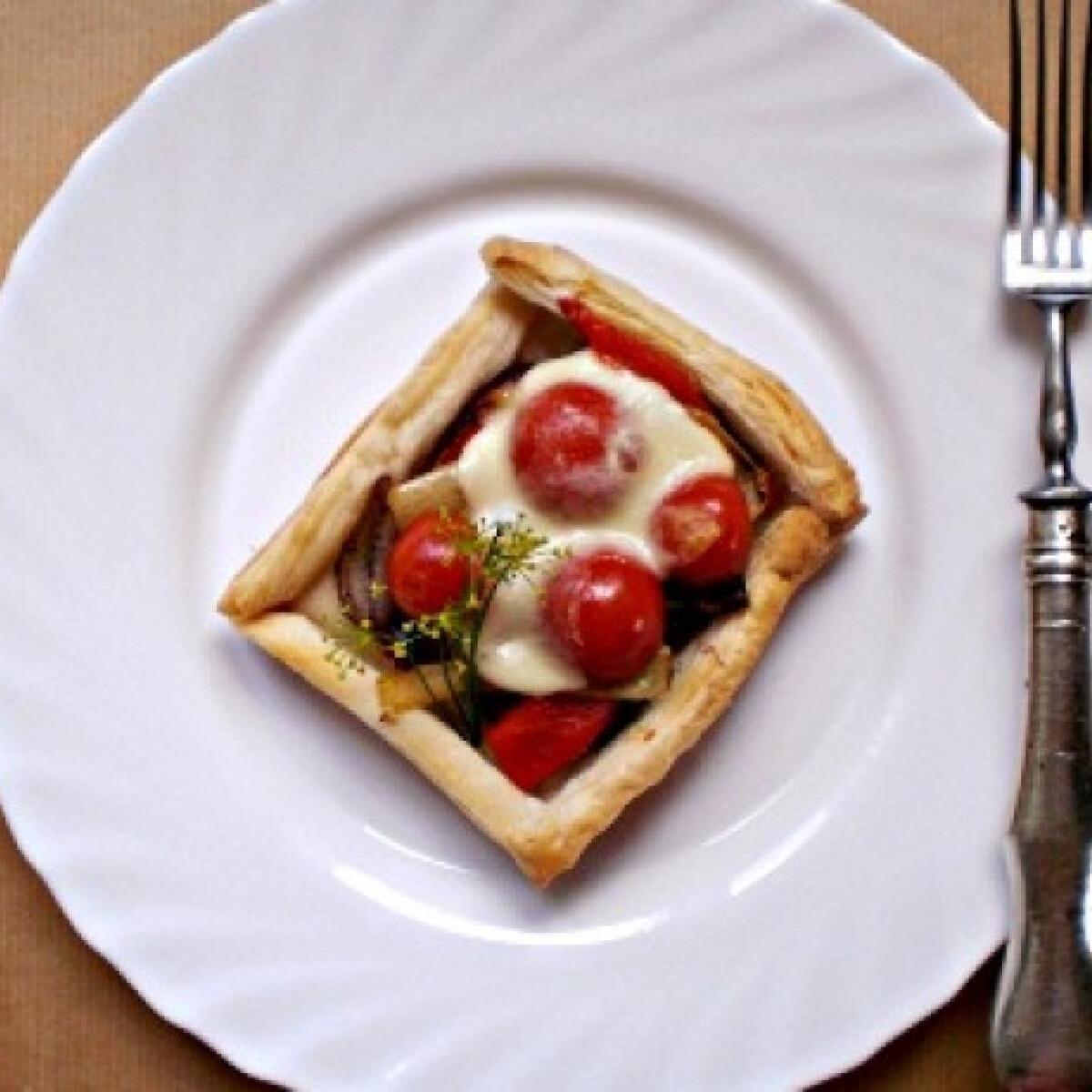 Ezen a képen: Zöldséges-mozzarellás tortácska