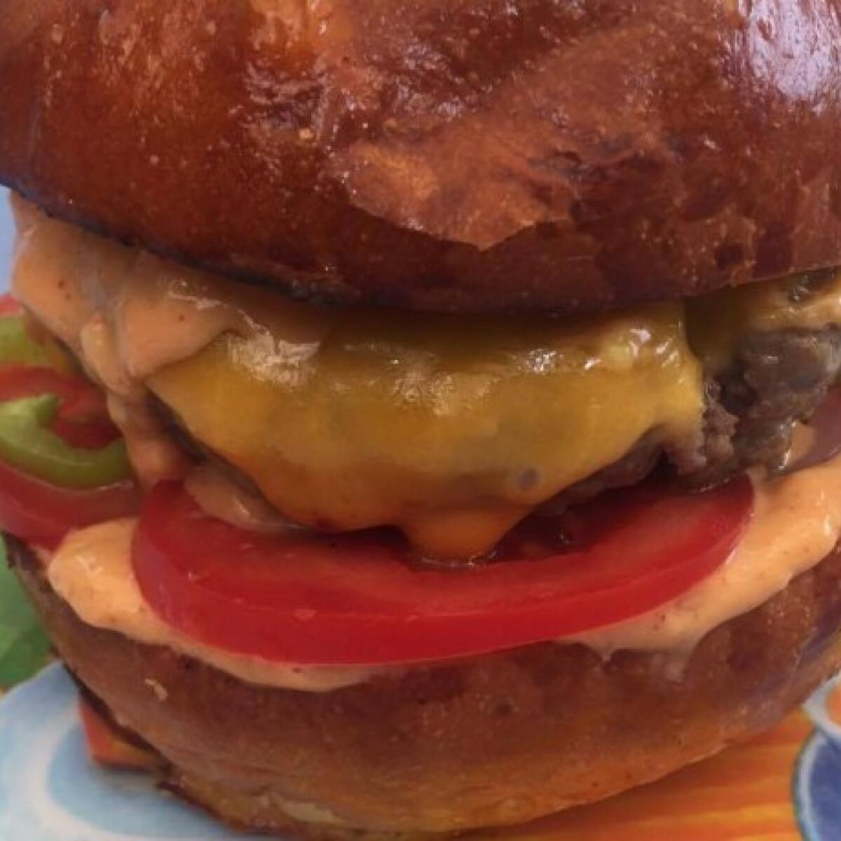 Ezen a képen: Original hamburger