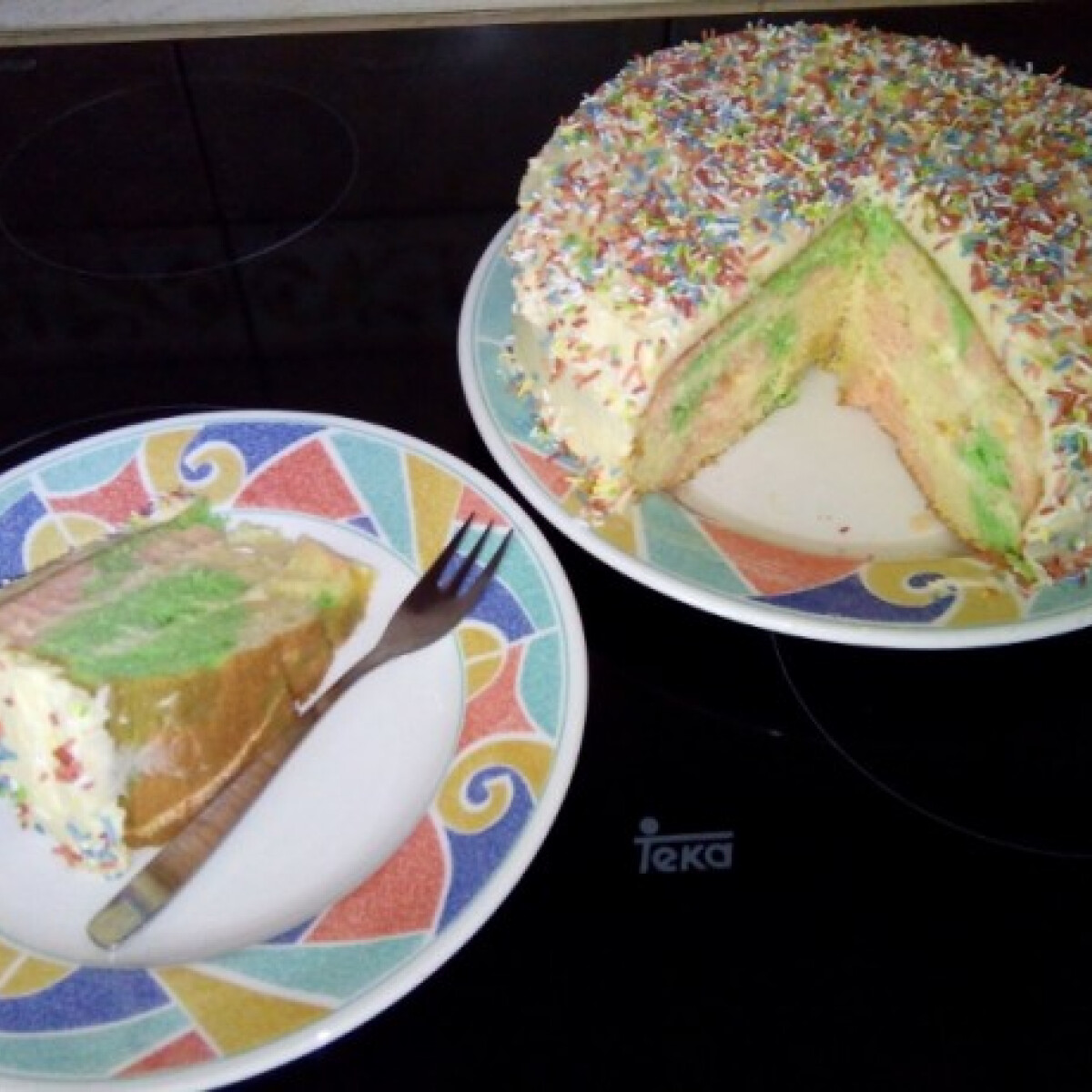 Ezen a képen: Nap és est torta