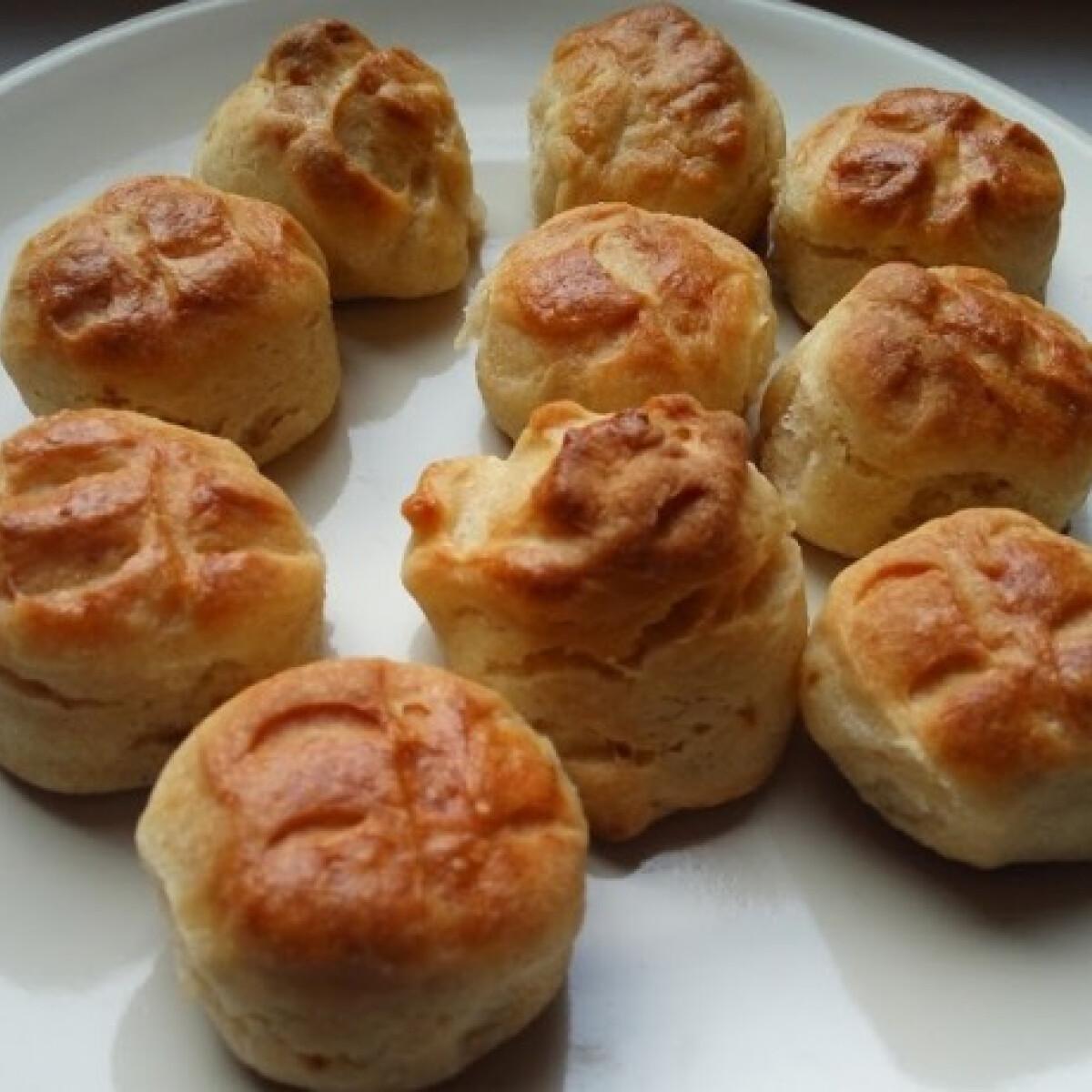 Krumplis-tejfölös pogácsa